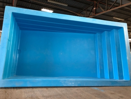PISCINA RECTANGULAR DE 5.50X3X1.60